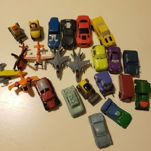 Disney Planes/ Cars/ Hotwheels 23 pc Bundle